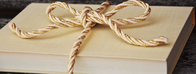 Holiday Gifts for Your Writer Friends Header Image